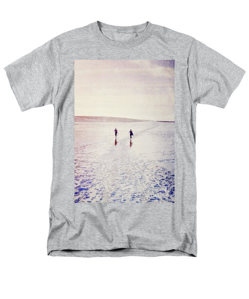 Men's T-Shirt  (Regular Fit) featuring the photograph Surfers In The Snow by Lyn Randle