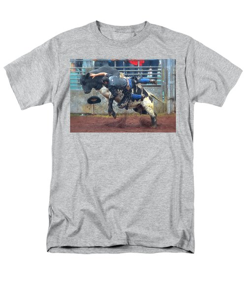 Men's T-Shirt  (Regular Fit) featuring the photograph Taking The Fall by Lori Seaman