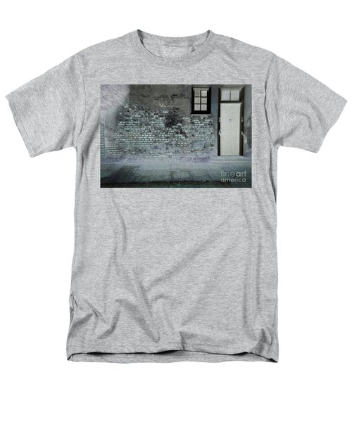 Men's T-Shirt  (Regular Fit) featuring the photograph The Wall by Douglas Stucky