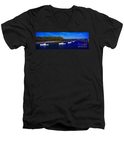Kennnepunkport Harbor  Maine  Men's V-Neck T-Shirt