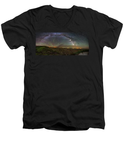 Pinnacles Overlook At Night Men's V-Neck T-Shirt