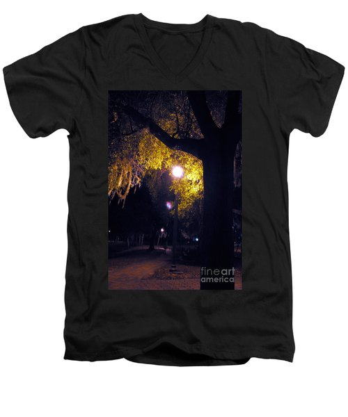 Davenport At Night Men's V-Neck T-Shirt