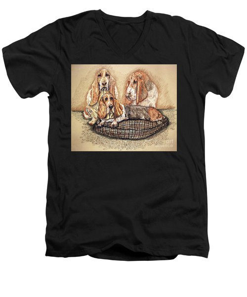 Hess'er Puppies Men's V-Neck T-Shirt