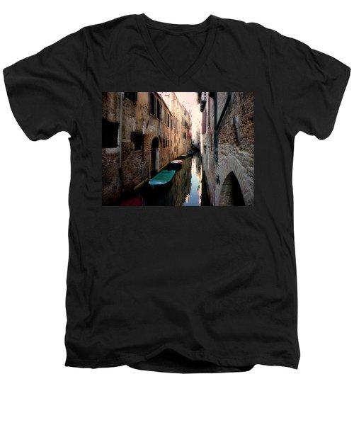 L'aqua Magica  Men's V-Neck T-Shirt