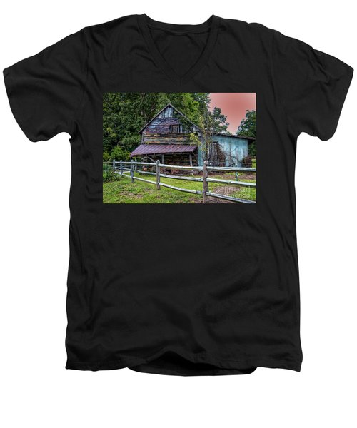 Old Farm Men's V-Neck T-Shirt