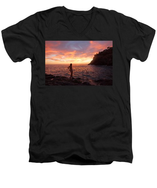 Silhouette Men's V-Neck T-Shirt