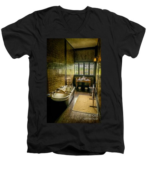 Victorian Wash Room Men's V-Neck T-Shirt