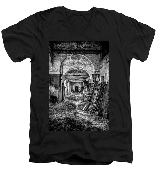 Abandoned Villa Men's V-Neck T-Shirt