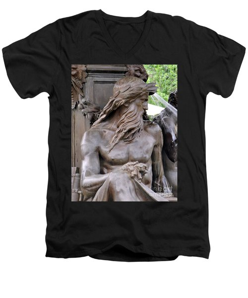 Brewer Fountain Boston Ma Men's V-Neck T-Shirt
