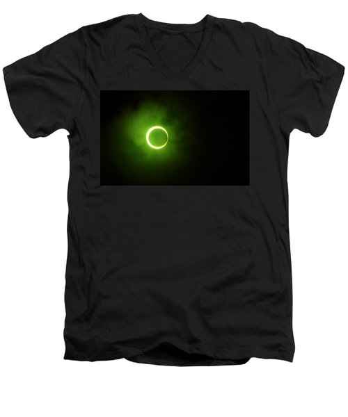15 January 2010 Solar Eclipse Maldives Men's V-Neck T-Shirt