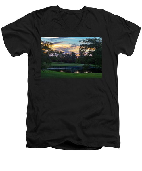 15th Green At Hollybrook Men's V-Neck T-Shirt