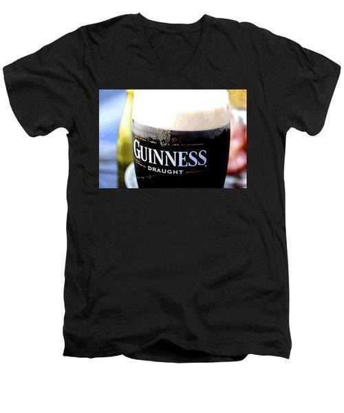 1759 Pint Men's V-Neck T-Shirt