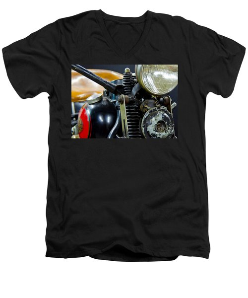 1936 El Knucklehead Harley Davidson Motorcycle Men's V-Neck T-Shirt