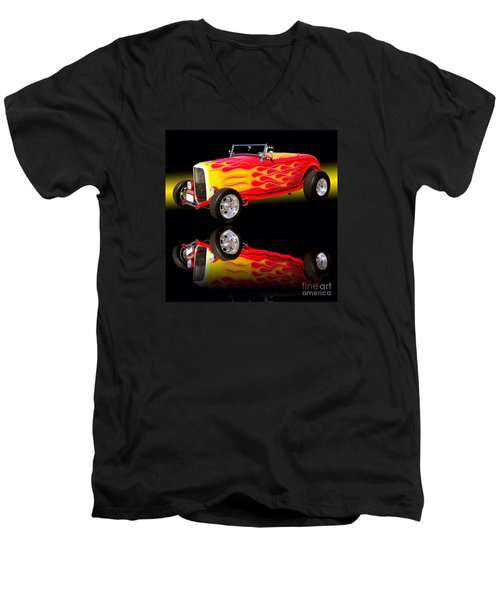 1932 Ford V8 Hotrod Men's V-Neck T-Shirt