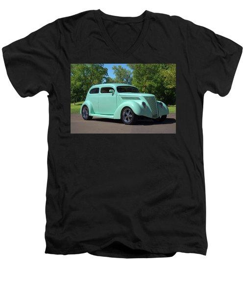 1937 Ford Sedan Hot Rod Men's V-Neck T-Shirt