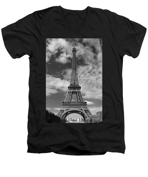 Architectural Standout Bw Men's V-Neck T-Shirt