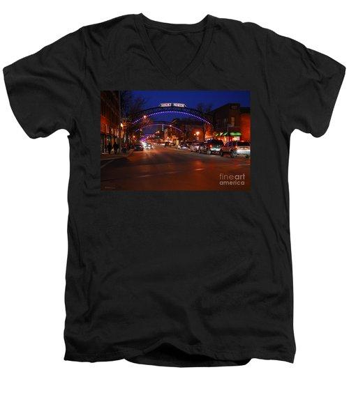 D8l-353 Short North Gallery Hop Photo Men's V-Neck T-Shirt