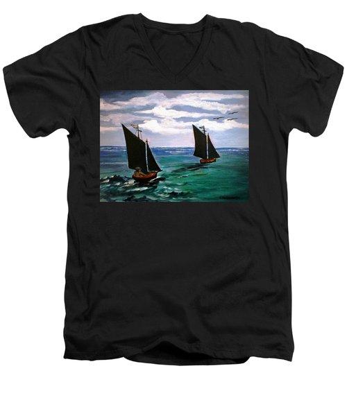 Travelling Men's V-Neck T-Shirt