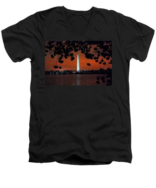 Men's V-Neck T-Shirt featuring the photograph Washington Monument by Suzanne Stout
