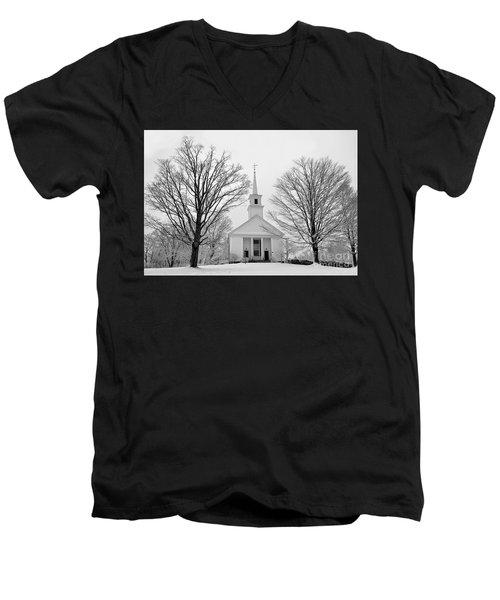 Winter Snow Scene Men's V-Neck T-Shirt