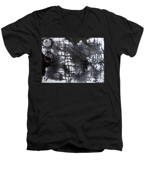 Two Circle Men's V-Neck T-Shirt