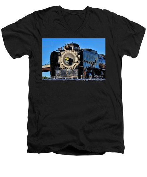 844 Locomotive Men's V-Neck T-Shirt