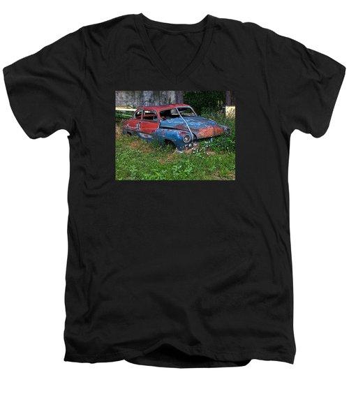 Abandoned 1950 Mercury Monteray Buick Men's V-Neck T-Shirt