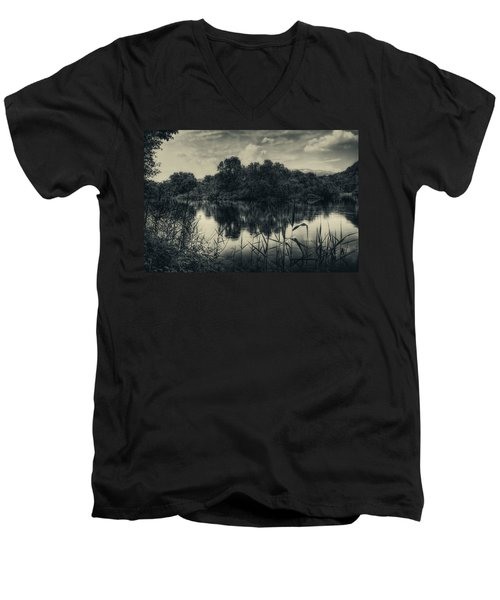 Adda River 3 Men's V-Neck T-Shirt