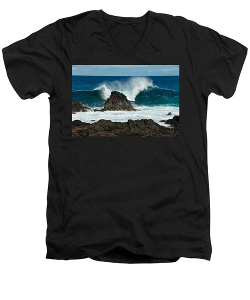 Akahanga Wave 2 Men's V-Neck T-Shirt