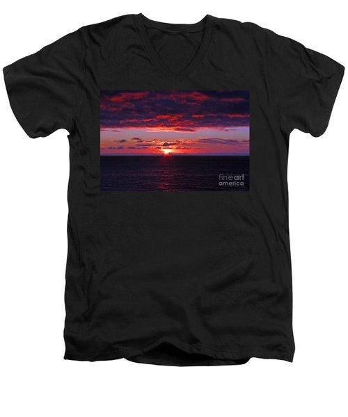 Alaskan Sunset Men's V-Neck T-Shirt by Bob Hislop