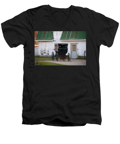 Amish Buggy White Barn Men's V-Neck T-Shirt