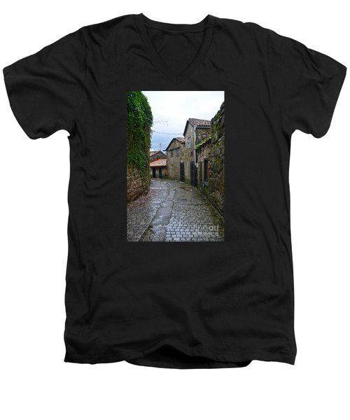 Ancient Street In Tui Men's V-Neck T-Shirt