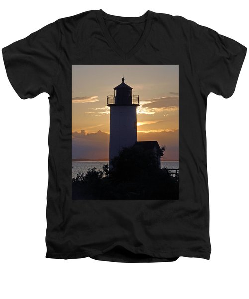 Annisquam Lighthouse Sunset Men's V-Neck T-Shirt