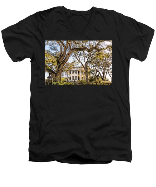 Antebellum Mansion Men's V-Neck T-Shirt