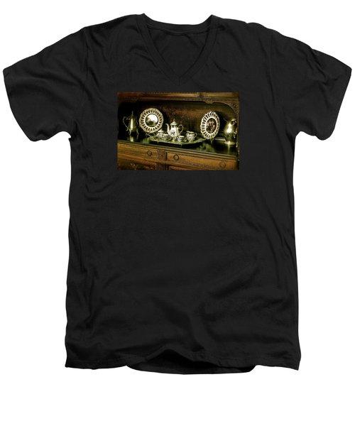 Antique Tea Set Men's V-Neck T-Shirt