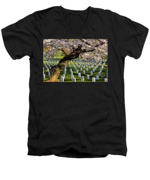 Arlington National Cemetary Men's V-Neck T-Shirt