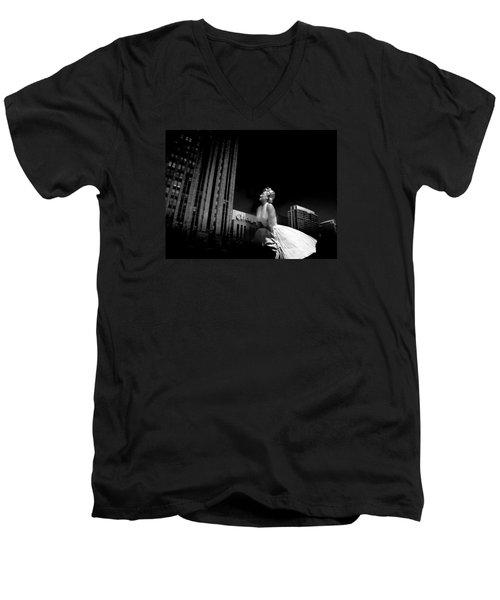 Art In Chicago Men's V-Neck T-Shirt