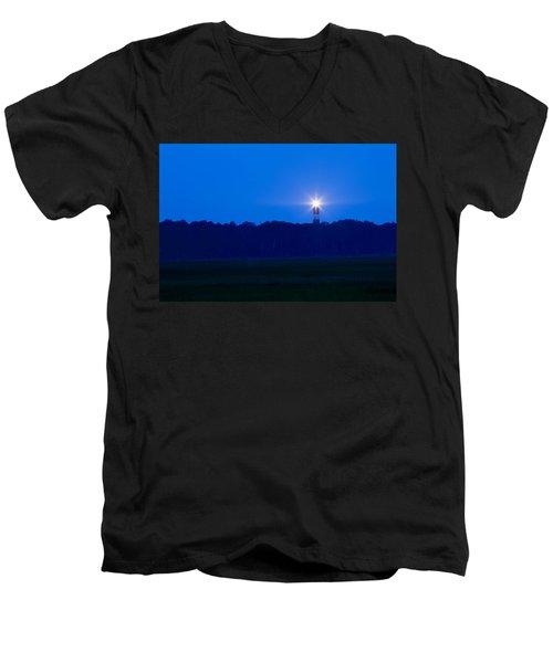 Assateague Lighthouse At Dawn Men's V-Neck T-Shirt