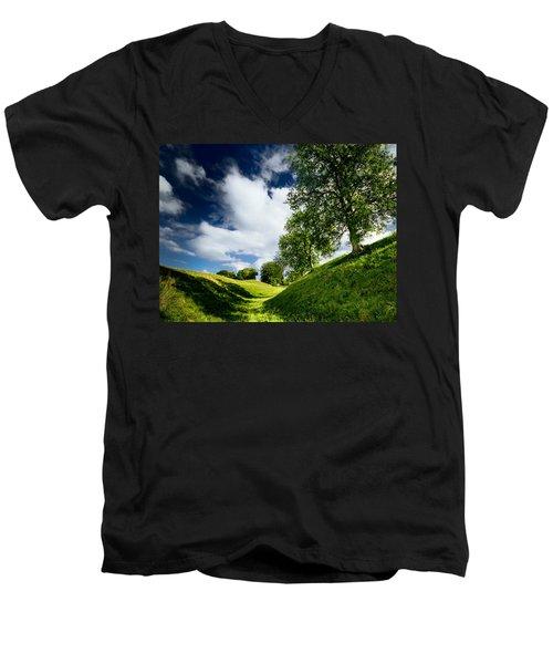 Avebury Hillside Men's V-Neck T-Shirt