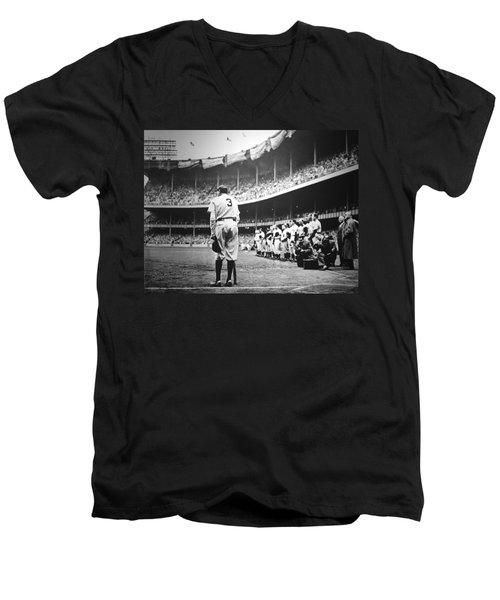 Babe Ruth Poster Men's V-Neck T-Shirt
