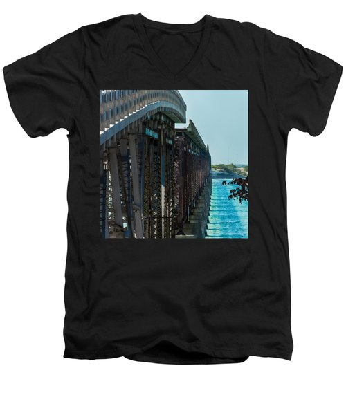 Bahia Honda Bridge Patterns Men's V-Neck T-Shirt
