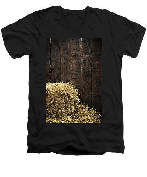 Bale Of Straw And Wooden Background Men's V-Neck T-Shirt