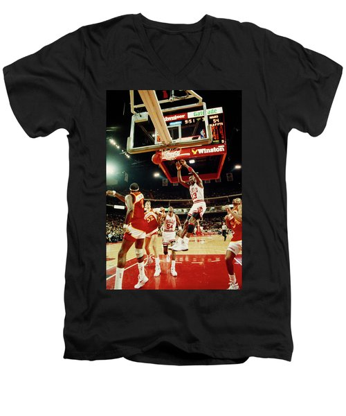 Basketball Match In Progress, Michael Men's V-Neck T-Shirt