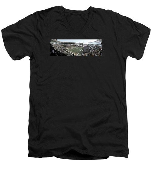Baylor Gameday No 4 Men's V-Neck T-Shirt