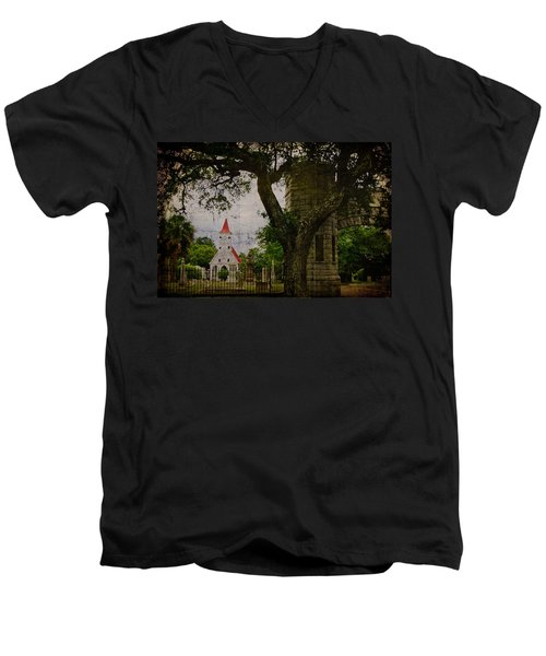 Bethany Cemetery Entryway Men's V-Neck T-Shirt