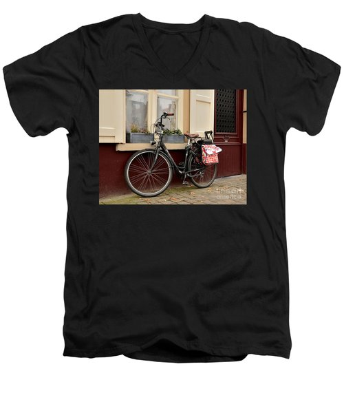 Bicycle With Baby Seat At Doorway Bruges Belgium Men's V-Neck T-Shirt