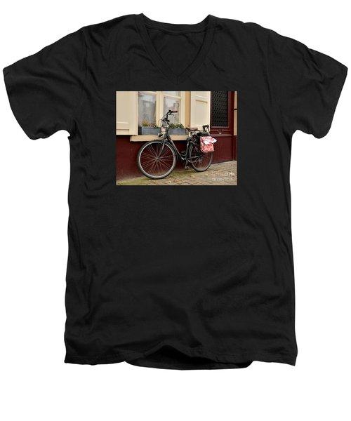 Bicycle With Baby Seat At Doorway Bruges Belgium Men's V-Neck T-Shirt