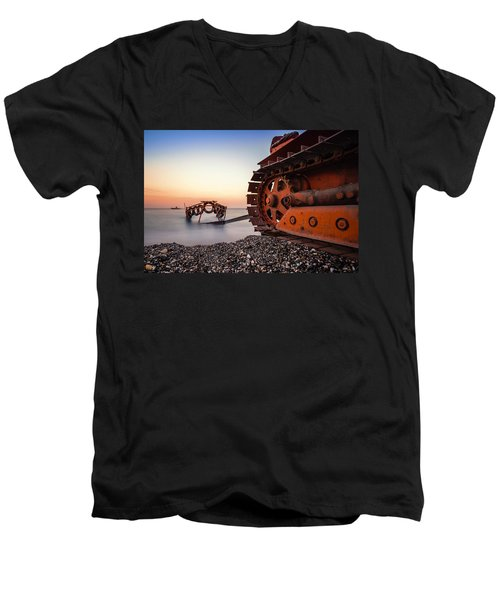 Boat Tractor Men's V-Neck T-Shirt