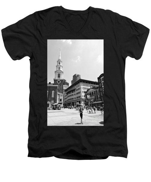 Boston Common Scene Men's V-Neck T-Shirt