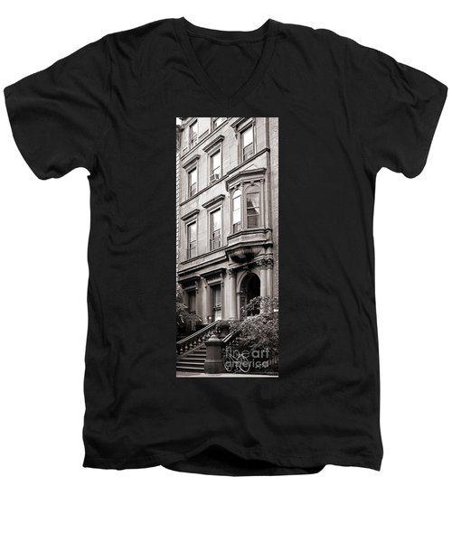 Brooklyn Heights -  N Y C - Classic Building And Bike Men's V-Neck T-Shirt